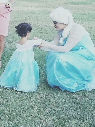 Was a queen elsa for a little girls party. Queenelsa Frozenparty