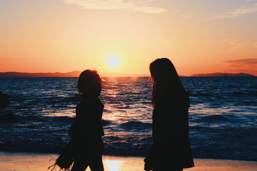 like mother like daughter p2 Life In Motion Here Belongs To Me Hanging Out Check This Out Mother And Daughter Nature Beach Sunset Southern California