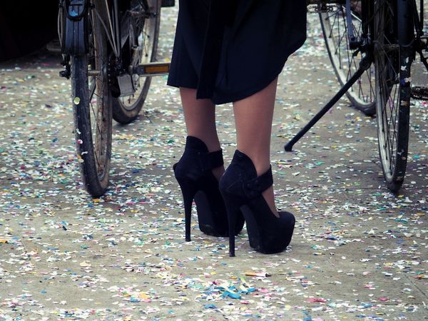 These shoes surely aren't made for walking?!? Carnival Confetti Fashion Forever Feet High Heels Looking Down Shoe Fetish Shoes Shoes ♥ Street Photography WomeninBusiness