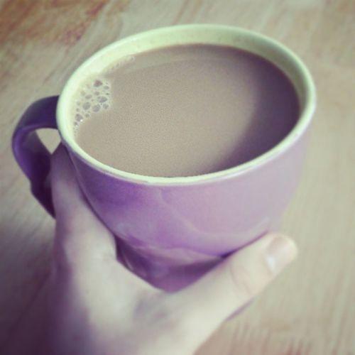 Wielka kawa z mlekiem sojowym. Ten dzień musi być udany. Soyalatte Morning Coffee Cup