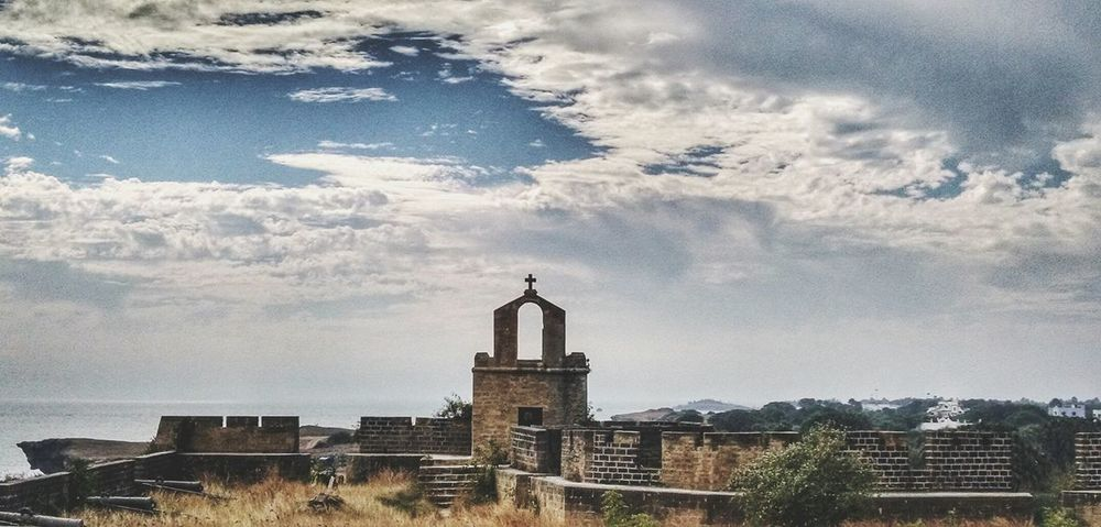 Calm is a superpower. Architecture Sky No People India Diu  Diufort Fort Eyem Motorola Motox Abandoned Haunted Scary Chruch