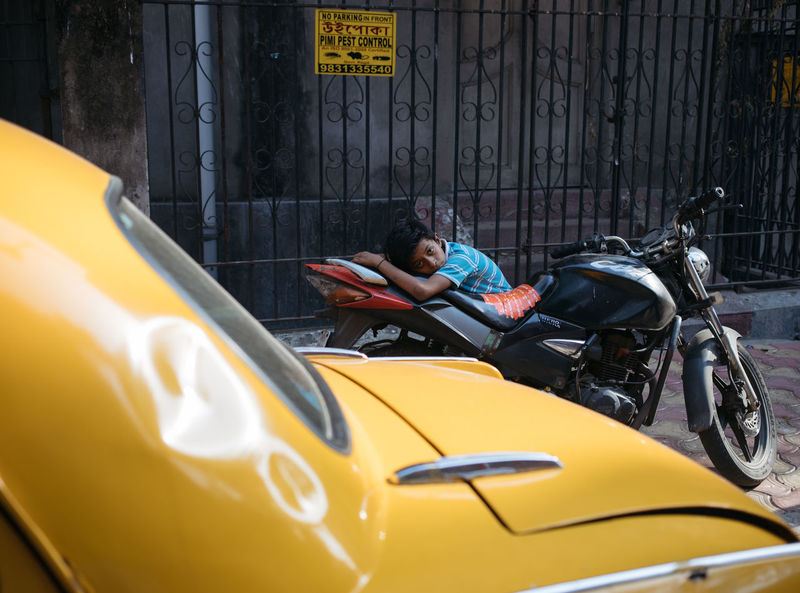 Childhood Kolkata Mode Of Transport Streetphotography Streetsofindia Taxi The Portraitist - 2017 EyeEm Awards The Street Photographer - 2017 EyeEm Awards Transportation Yellow Yellow Taxi BYOPaper! Paint The Town Yellow