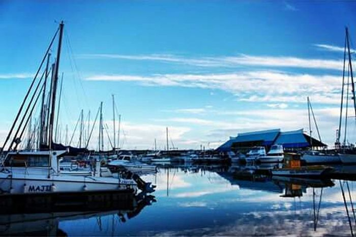 My Beautiful City #durban Photooftheday Iggersdurban Reflections Vscocam Vsco Underthedurbanskies Seascape Portfolio Work Ilovephotographyofficial Ilovedurban