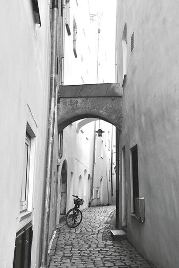 Bike Bicycle Fahrrad Architektur Architecture Old Town Old House Oldtown Old Buildings KopfSteinPflaster Altstadt Alte Stadt Straßenfotografie Streetphotography Showcase: January The Street Photographer - 2016 EyeEm Awards