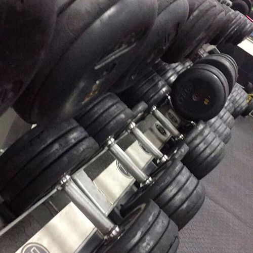 No se levantaran solas así que ve a entrenar. Workout Weights Getting In Shape Doing Reps Motivated Exercise GymRat