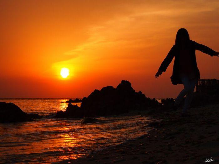 おっとっと~(^^; E-PL3 Beach Sunset Silhouette