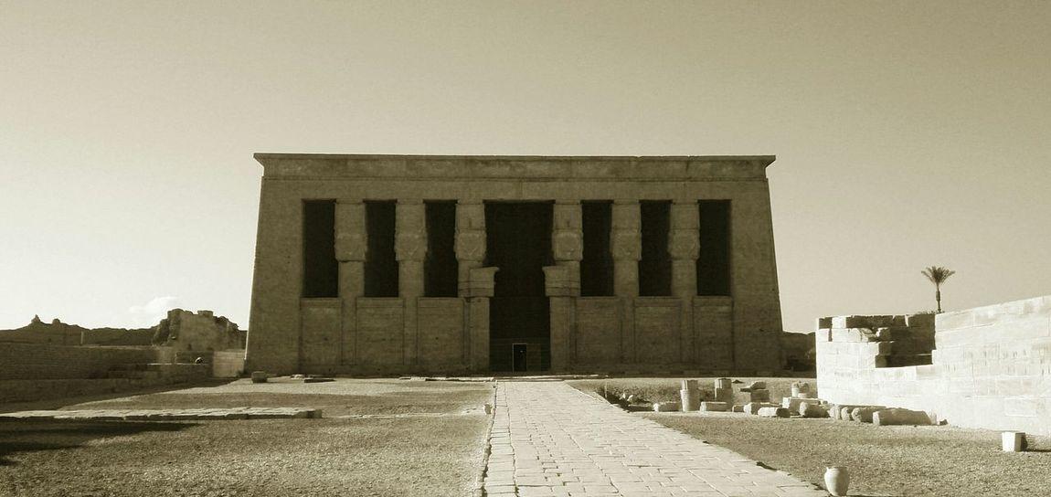 Храм богини Хатхор в Дендерах. египет архитектура Egypt Architecture