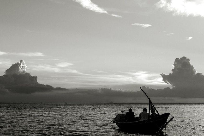 life & livelihood Bangladesh RiverMeghna Fishinglife