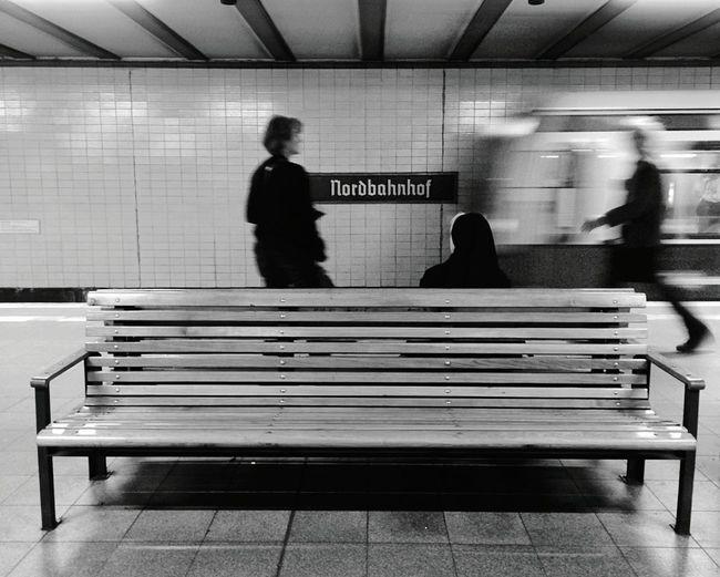 Day 318 - Nordbahnhof agitation Berlin Blackandwhite Streetphotography Streetphoto_bw Sbahn Capturing Motion Public Transportation 365project 365florianmski Day318