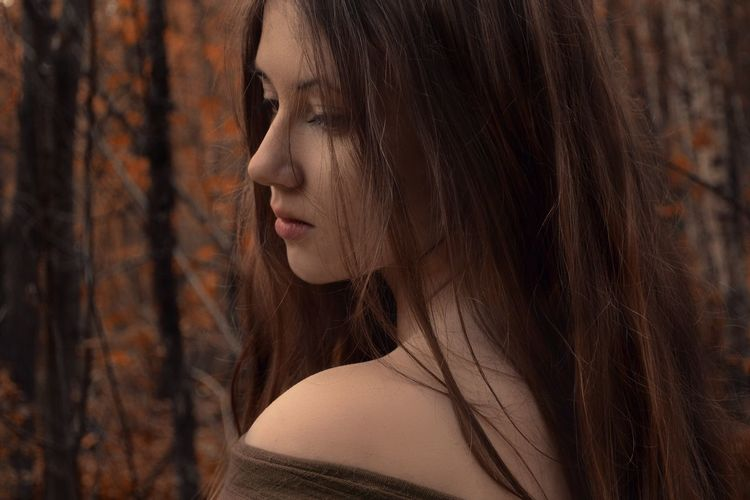 Beautiful Beauty Braun Contemplation Day Human Face Lifestyles Long Hair Young Adult Young Women