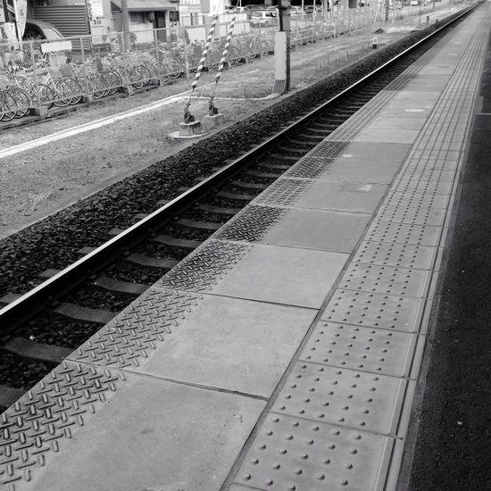 出掛けます 駅 Station ホーム プラットホーム Platform 線路 Railroad