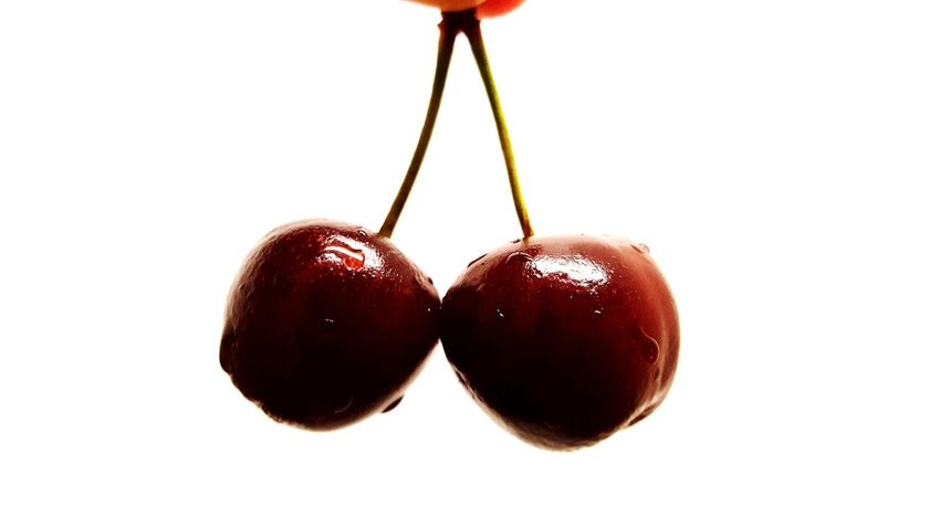 cherry picked Love Contrast White Date Lights Red Red Cherries Food Fruit Foodphotography White Background Fruit Red Molten Studio Shot Candy Dessert Close-up Sweet Food Food And Drink Cherry Dew Droplet Berry Fruit The Street Photographer - 2018 EyeEm Awards The Still Life Photographer - 2018 EyeEm Awards The Creative - 2018 EyeEm Awards