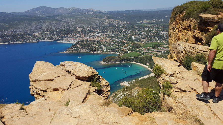 Cassis is a
