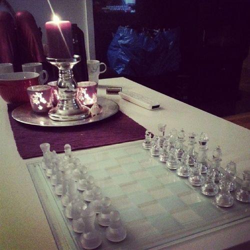 Utfordret av kona mi @emette. Hun er helt hekta på sjakk. Nrksjakk Sjakksapmi