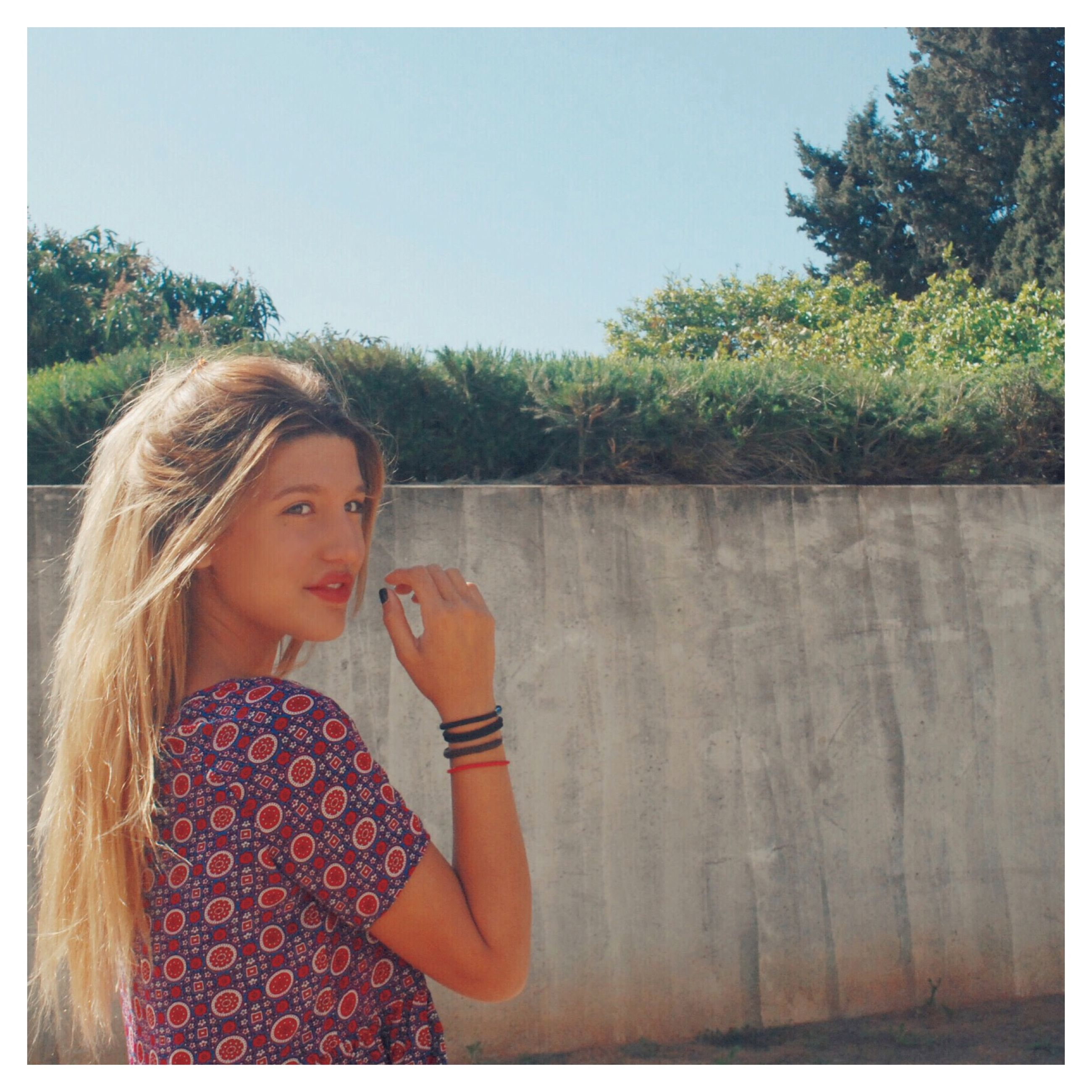 lifestyles, person, leisure activity, young adult, casual clothing, young women, tree, transfer print, long hair, auto post production filter, clear sky, portrait, looking at camera, smiling, standing, blond hair, front view, girls