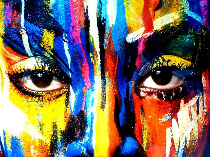da-schau-her ... colored 1 Abstract Close-up Multi Colored Faces Faces In Places Facemask Colorful Color Explosion Color Of Life Painting Art Gallery Of Art Art, Drawing, Creativity ArtWork Women Around The World EyeEm Diversity Art Is Everywhere Break The Mold