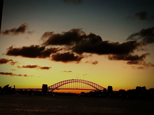 Learn & Shoot: After Dark Oz Cool Enjoying Life Hello World Lowlight Warmtextured Darkdays Iconic Amazing Travel Whats Your View ? Sunny Sunset Latenight