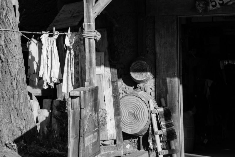 With money, you can get any person you want... without it, you get the person who truly loves YOU. https://youtu.be/wquJ5oXf-Vc EyeEm Best Shots - Black + White Black And White Photography Clothesline Old Way Of Life Olden Days Bnw_collection Laundry Drying Clothes