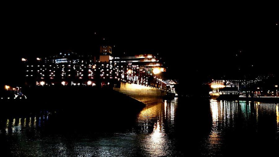 Hamburg Harbour Hamburg Night Container Ship Frachtschiff Frachter Fracht Löschen Unloading International Landmark International Harbour Schifffahrt