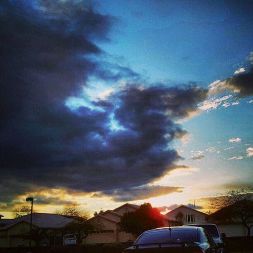 Instagramaz Glendaleaz Desertlivin Horizon Crazycloudcoverage Blueskies Clouds Mountain Sunrise @arizonaskies Sunrisegram Colorful Lookslikeasquirell Lookslikeadragon Cars Citylifeinaz pretty morning! :)