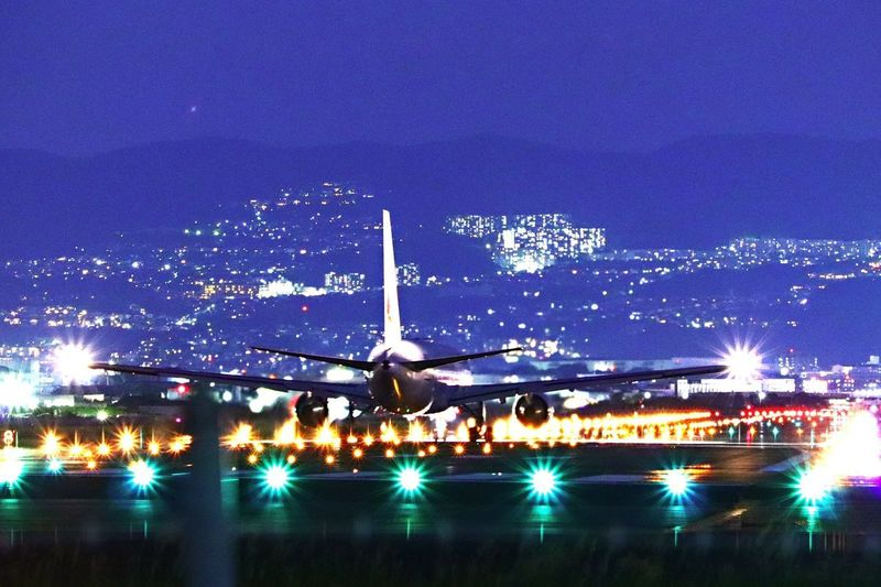 いってらっしゃい♩ 千里川 伊丹空港 飛行機 Illuminated Night Sky Airport Runway Travel Airport