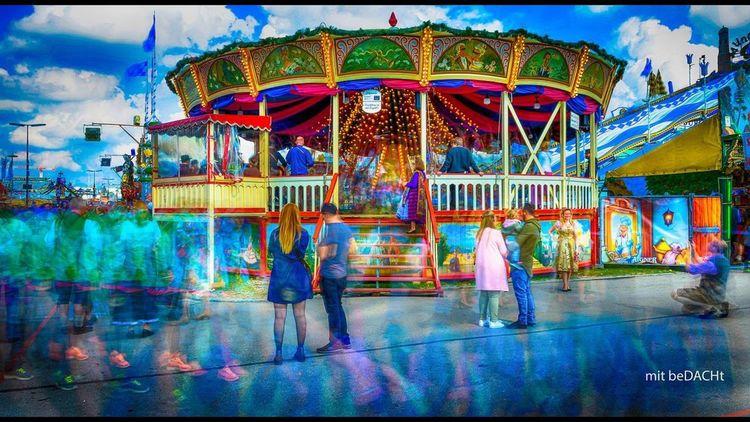 Wiesn Oktoberfest Jahrmarkt Oktoberfest München Amusement Park Arts Culture And Entertainment Leisure Activity Amusement Park Ride Full Length Enjoyment Multi Colored Carousel Built Structure Fun Outdoors Lifestyles Adult People Real People