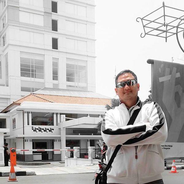 Sisi positif dari selfie atau mem-foto diri sendiri dapat memperbaiki diri supaya difoto jadi kewrewnn hehehe Televisinet Bandung Bandungbanget Liburan Regramtime Vscocam Mix Nocrop BeautifulIndonesia INDONESIA INDONESIA