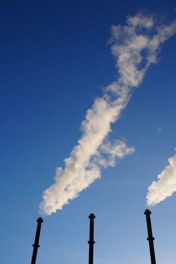 3 Chemney Chimney Chimney Factory Cloud Environment Factory Fossil Energy Industrial Outdoors Polluting Pollution Production Releasing Smoke Sky Smoke Smoke Smokes Smokey Stack Vapors