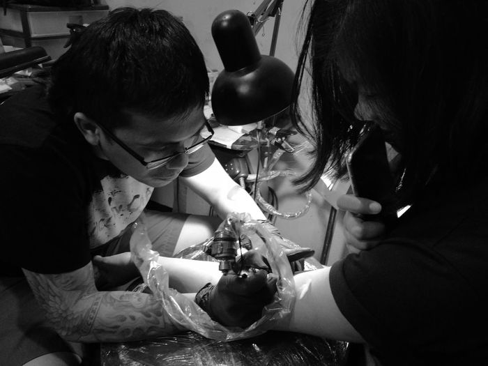 Tattoo Girl Real People Tattoo Tattoo Shop MonochromePhotography Philippines Welcome To Black