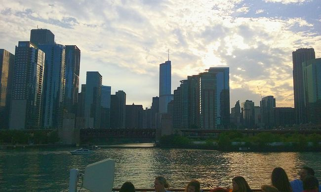 On Chicago River. Original photo