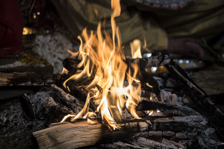 auspicious fire for havan - An Indian Tradition Auspeciousday Auspicious Fire Burning Flame Havana Heat - Temperature Indian Tradion Marriage Ceremony Marriage Functions Night Ritual Fire Ritual Work Traditional Culture Wood - Material