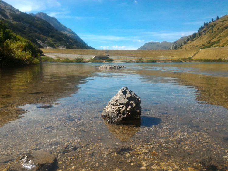Summer Views Un picco sul lago Mountain Lake Stone