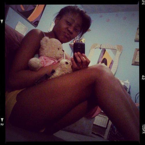 Can't sleep , text me or kik me : Kyla_Lenasia (: