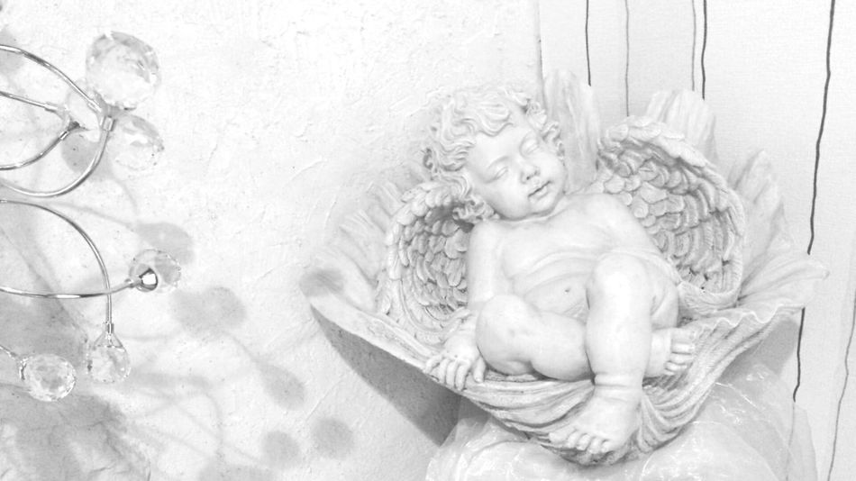 White White Album White Collection Angels Shadows On The Wall Light And Shadow White Angel Romanticism Nostalgie Romantik Whiteness Studies Of Whiteness The White Collection White & Whiteness Study Of Whiteness Christmas Is Coming Christmas Season Angel Angel Figure