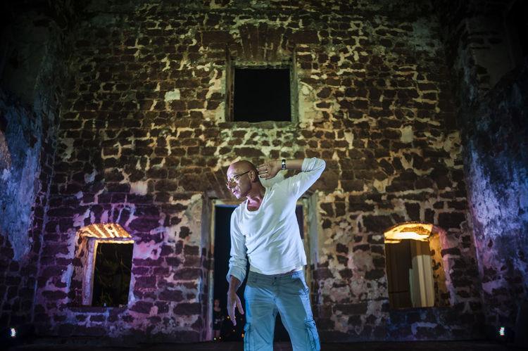 Art Artists Choreographers Choreography Dancers Dancing Entertainment Historical Sites Human Melaka Movements Outdoors People Performers Performing Arts Ruins HUAWEI Photo Award: After Dark