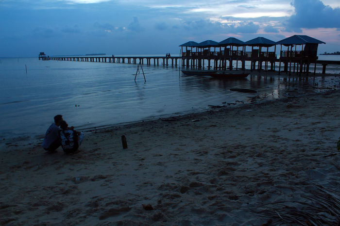 enjoyinglife Beach Beautyinnature  Dailylife Dompakisland INDONESIA Kepulauanriau Ketanjungpinanglah Leisure Activity Outdoors People Pier Sand Sea Shore Silhouette Sky Sunset Tanjungpinang Tanjungsiambangbeach Tranquility TravelDestinations Vacations Wave Wonderfulindonesia Wonderfulkepri