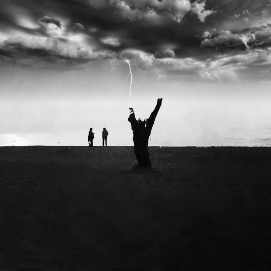 The real horizon is human EyeEm Nature Lover Sky And Clouds Beachphotography Bw_lover Bw_collection Blackandwhite Iphoneonly IPhone Photography Cloud - Sky Real People Land Beauty In Nature Scenics - Nature Silhouette
