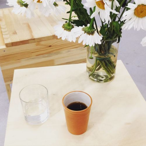 Crooked Nose Coffee Stories Vilnius Coffee Black Coffee Coffee Bar Aeropress Flowers Natural Wood Ceramics Pot
