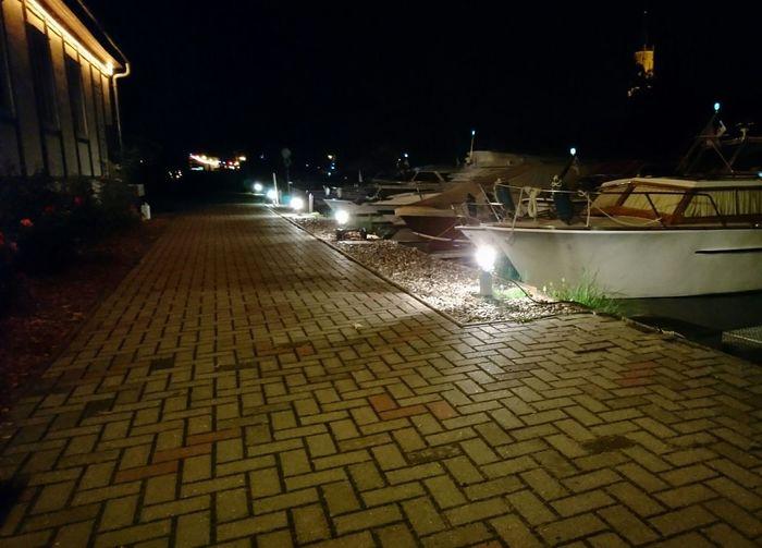 Erstes Testbild bei Nacht. Kamera meines neuen Sony Xperia TM X First Eyeem Photo