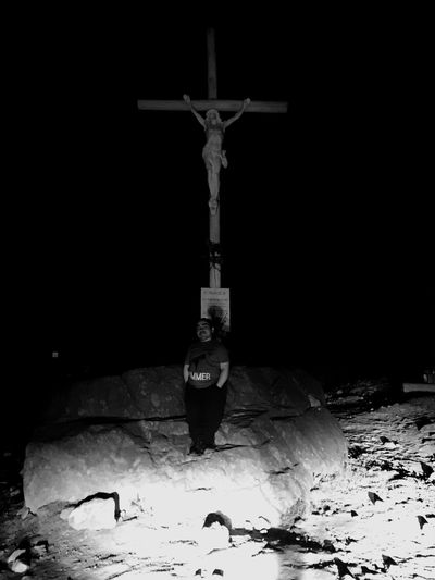 Caminoalvolcan Cruz Noche Blackandwhite