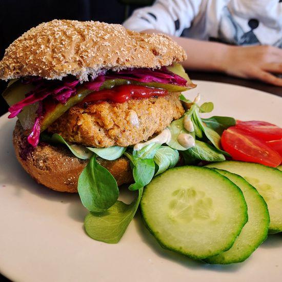 Vegan Food Vegan Burger Sweet Potato Burger Canellini Beans Pickled Cabbage Tahin Sauce Burger