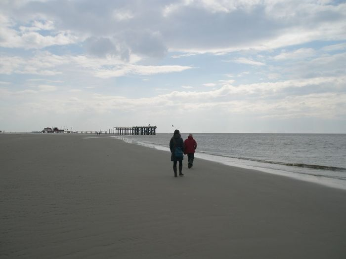 2 Personen Beach Coastline Escapism Getting Away From It All Himmel Horizon Over Water Meer Oktober Outdoors Recreational Pursuit Sand Sea Seascape St. Peter-Ording St. Peter-Ording Strand Steg Strand Strandbad Vacations Wasser Water Weekend Activities Wolken Wolkenhimmel