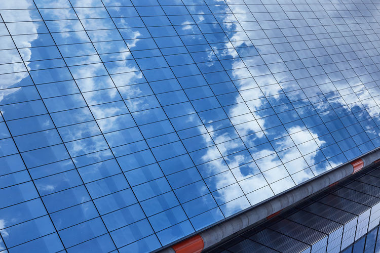 Simulación del cielo Arquitecture Built Structure Reflection Cloud - Sky Sky No People Building Exterior Glass - Material Modern Building Sunlight Full Frame City Glass Office Building Exterior