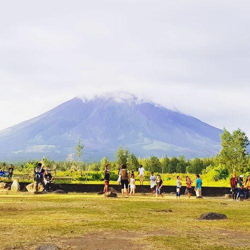 mayon volcano Mountain Albay,bicol CagsawaChurch Cagsawa Ruins Volcano Mayon Volcano Philippines Mayon Volcano Daraga, Albay Philippines Tree