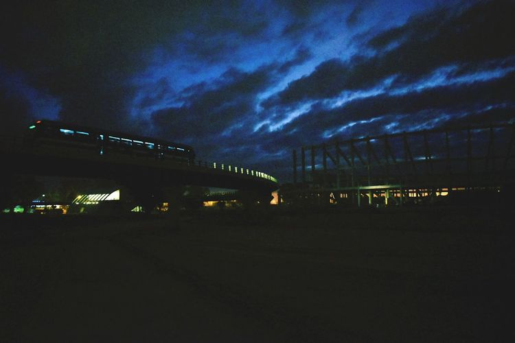 estadio y tren