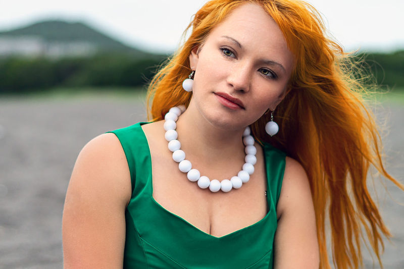 One Person Portrait Beauty Beautiful Woman Front View Young Women Real People Redhead Women Young Adult Looking At Camera Lifestyles Focus On Foreground Hair Casual Clothing Leisure Activity Hairstyle Headshot Outdoors