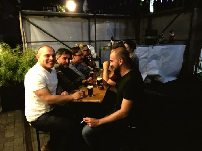 Schützenfest Schützenfest17 Friendship Real People Young Adult Young Men Togetherness Night Drink Standing Indoors  Bonding Men Young Women Happy Hour Adult People Adults Only In Der Nähe Lörick In Düsseldorf🌾 Friends Eavening Happening We Are Lucky We Are Family