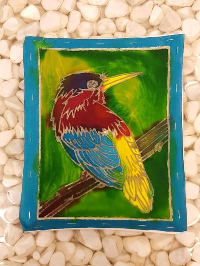 Kids Art Batikpainting Bird Colors Colors Of Nature Rainbowcolors Coloring Kids ArtWork Painting Exposuretoart Havingfun Animal Themes Close-up BatikArt Childhood Child Birds Colours Bird Photography Birds_collection Gold Colored Stones Stones And Pebbles Stone Material Stonetable