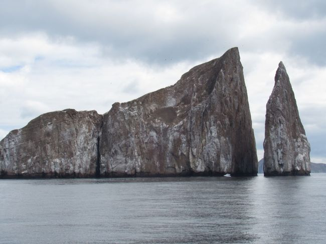 Kicker rock, perfect for dive and snorkeling Galapagos Rock Formation Nature Mountain Rock - Object Tranquility Sky Sea Scenics Cloud - Sky No People Tranquil Scene Water Waterfront Scenery Beauty In Nature Physical Geography Outdoors Landscape Cliff Day An Eye For Travel