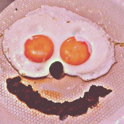 Mutlu bir cumartesi kahvaltısı konulu çalışmam :))) Happy Breakfast Happyeggs Istanbul turkishfollowers instamod instagood instaegg ... benim adım tatar razan ben bu mutluluğu bozarım ;)